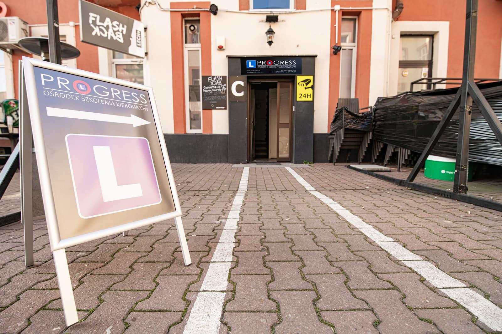 Prawo jazdy PROGRESS Częstochowa - nauka jazdy - OSK - biuro